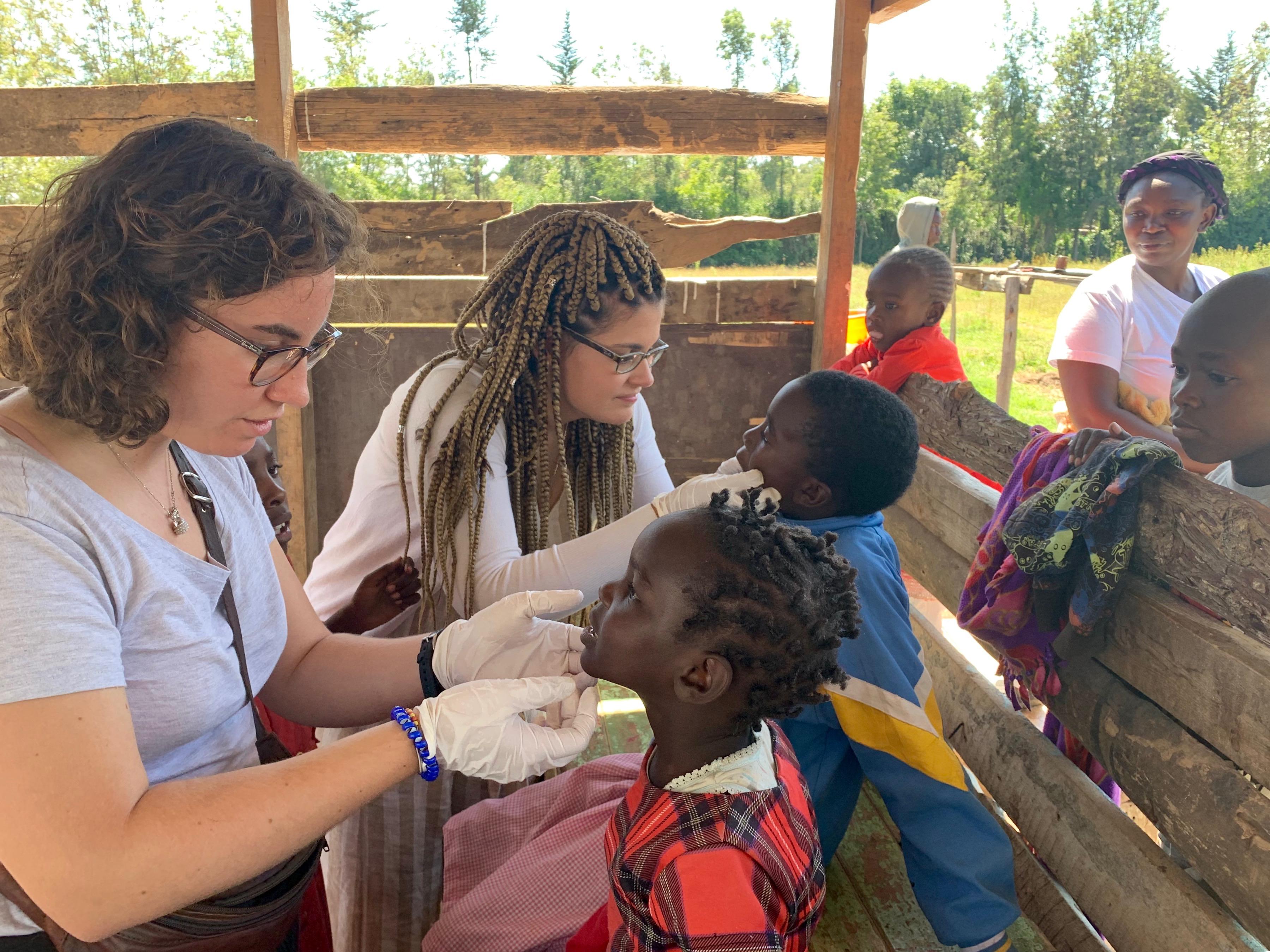 L'experiència de fer un voluntariat d'odontologia a Kenya en primera persona