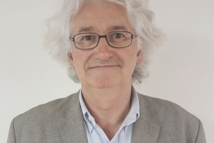 Dr. Carles Mendieta